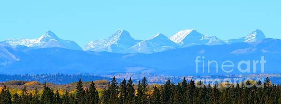 Mountain Peaks by Stephanie  Bland