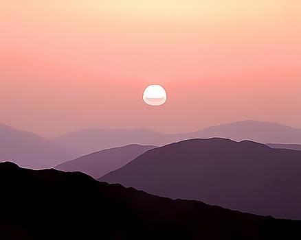 Mountain Sunset by Gareth Davies