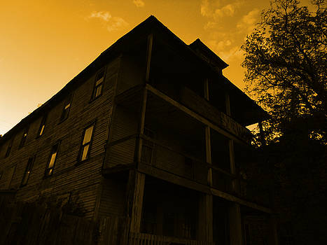 Mountain View Hotel by Nature Macabre Photography
