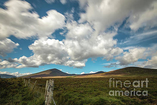 Mountains near the Vee by Marc Daly
