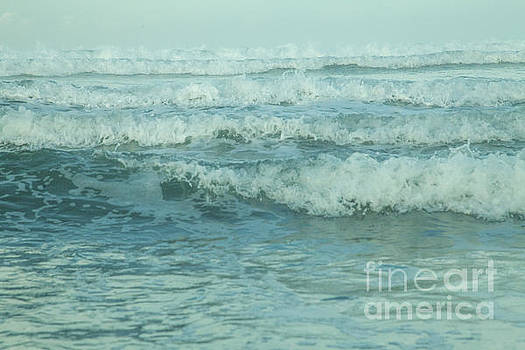 Moving Waves by Iris Greenwell