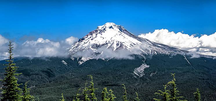 Mt Hood by Tony Fuentes