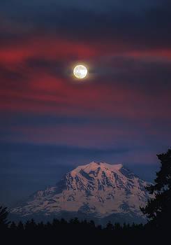 Mt Rainer Super Moon by Jason Butts