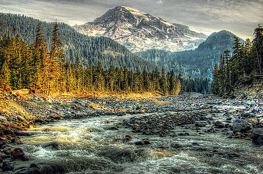 Mt. Ranier by Kirk Sewell