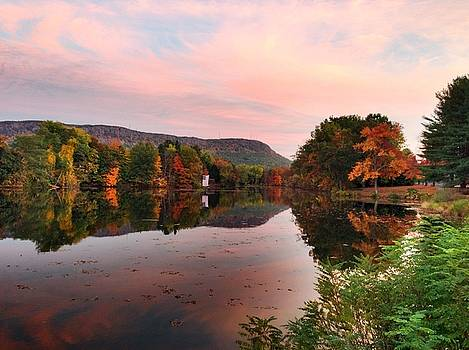 Mt. Tom, Nashawannuck Pond by Trace Meek
