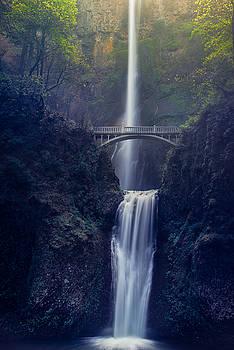 Multnomah Falls by Chuck Jason