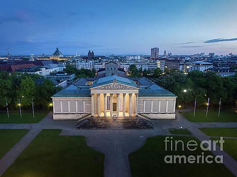 Munich Koenigsplatz impressions by Hannes Cmarits