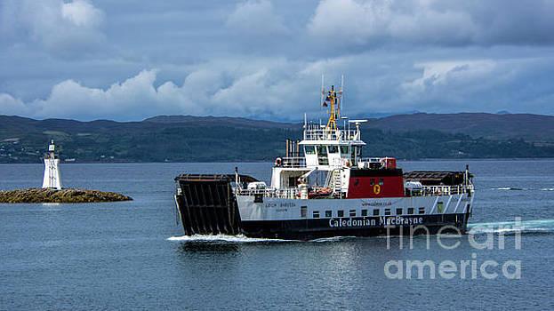 MV Loch Bhrusda by Chris Thaxter