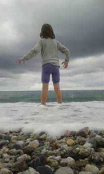 My daughter Francesca - playing with the waves 2 by Giuseppe Epifani