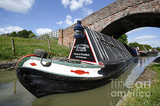 Narrow boat President by Steev Stamford