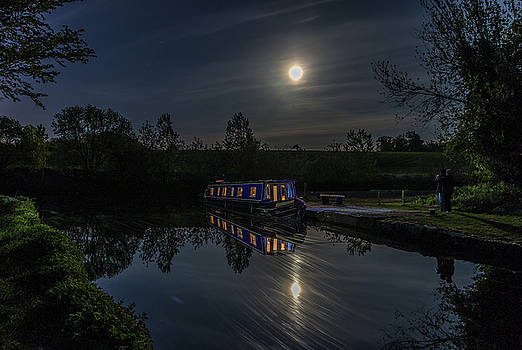 ReDi Fotografie - Narrowboat under the moon