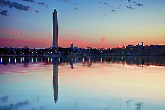 National Monument at the Tidal Basin by Kayta Kobayashi
