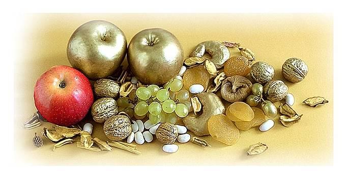 Naturemort with golden apples by Vera Peneva