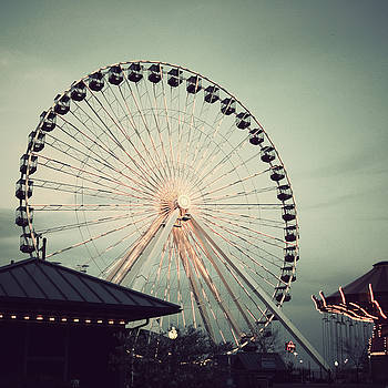 Navy Pier Ferris Wheel by Dylan Murphy
