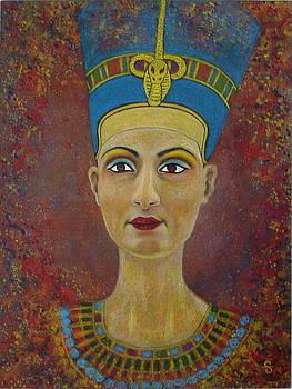 Nefertiti by Silvia Gold