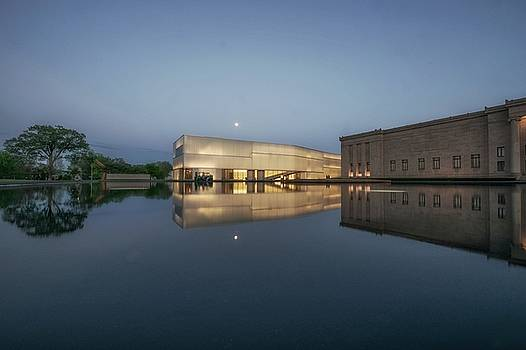 Nelson Atkins Museum by Lisa Plymell