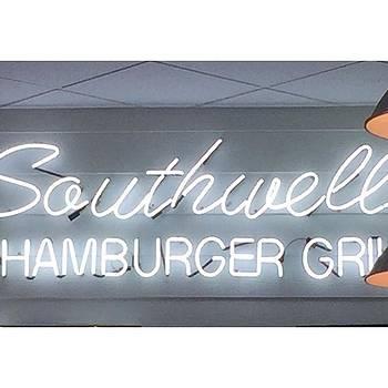 #neon #southwellburgers #hamburgergrill by Gin Young