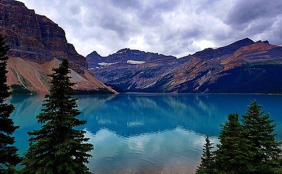 Bow Lake, Banff, AB  by Heather Vopni
