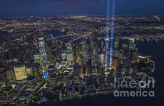 Never Forget-an aerial tribute by Roman Kurywczak