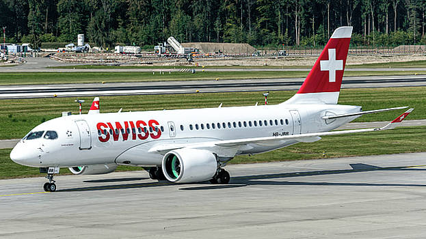 New Bombardier CS100 of Swiss Air by Roberto Chiartano