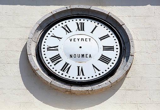 Ramunas Bruzas - Broken Clock
