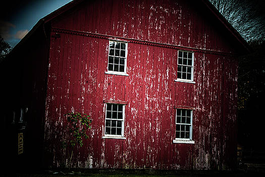 New England Historic Barn, Bethany Connecticut by Skyelyte Photography by Linda Rasch