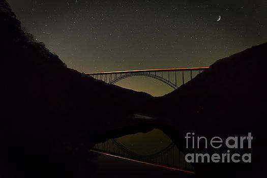 Dan Friend - New River Bridge at night with traffic lights