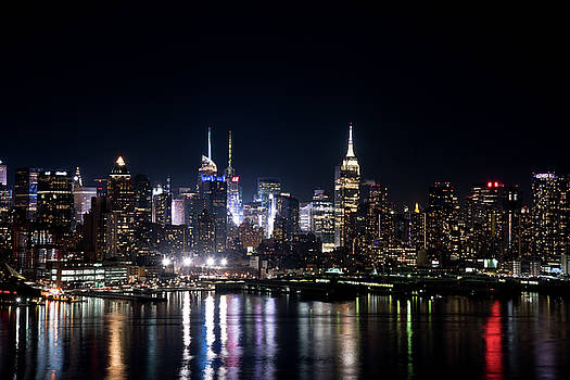New York at night by Zina Zinchik