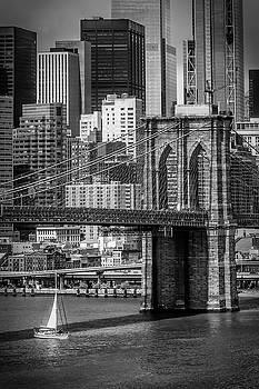 Melanie Viola - NEW YORK CITY Brooklyn Bridge and Lower Manhattan - monochrome
