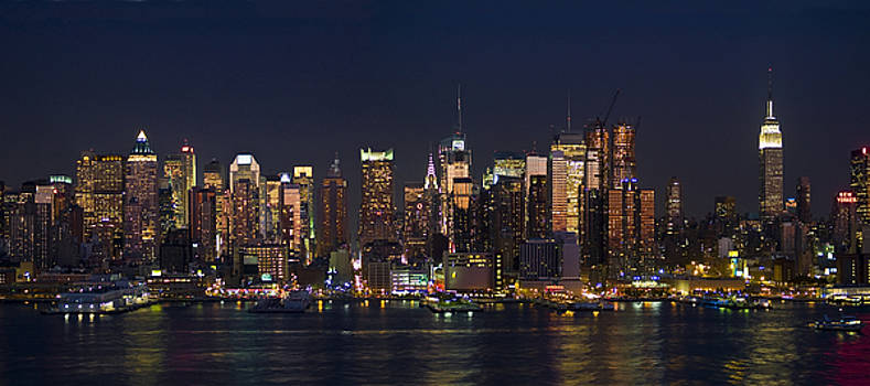 New York City Skyline Panorama 2008 by Andrew Kazmierski