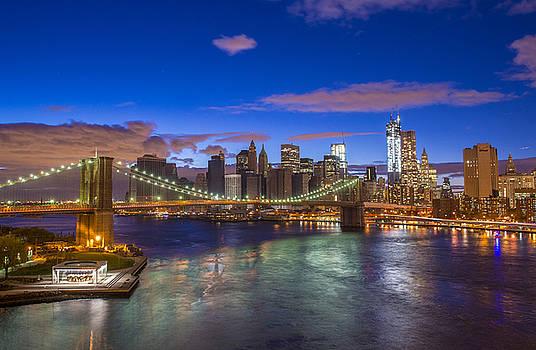 New York  skyline by Kobby Dagan
