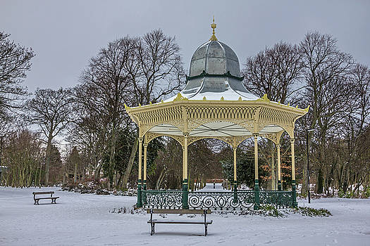 Newcastle Exhibition Park Bandstand by David Pringle