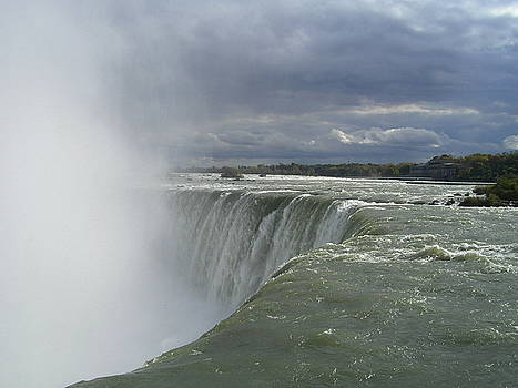 niagara fall Canadian side by Ziyad Mihyar