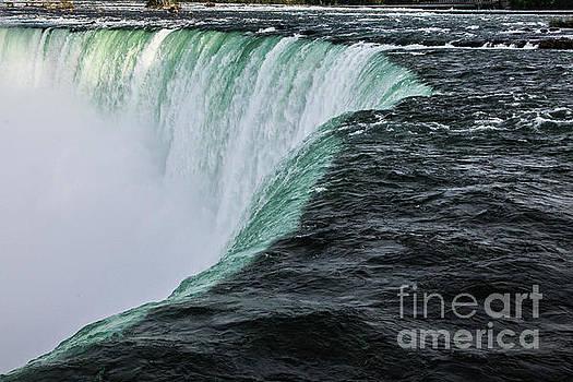 Niagara Fall  by Miro Vrlik