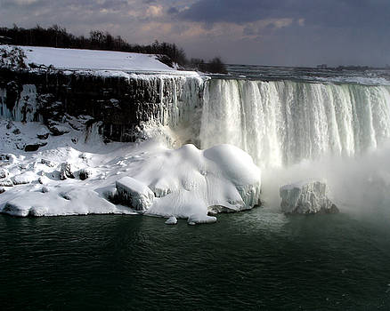 Anthony Jones - Niagara Falls 6