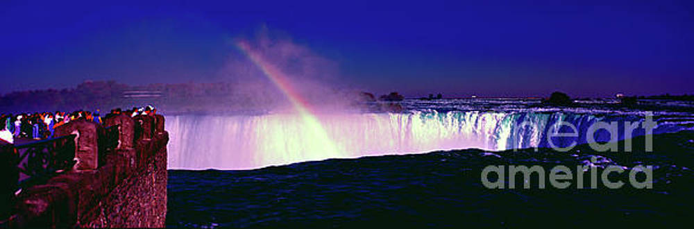 Niagara falls Canada   by Tom Jelen