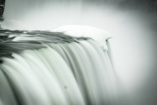 Niagara Falls by Colin Collins