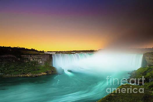 Niagara Falls  by Mariusz Czajkowski