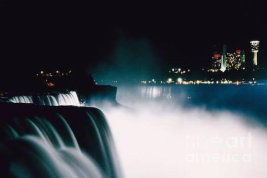 Niagara Night by DJ Florek