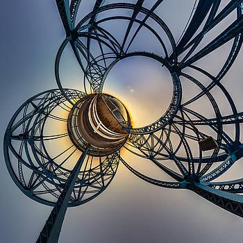 Chris Bordeleau - Niagara Sunset Through Iron Orbs