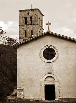 Marilyn Hunt - Nice old church for wedding