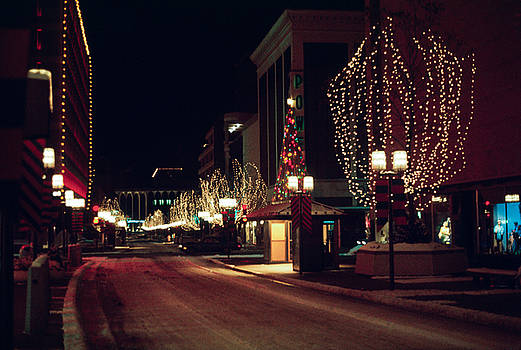 Nicollet Mall Christmas by Mike Evangelist