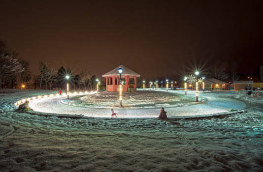 Night at The Loop Bannerman Park by Gord Follett