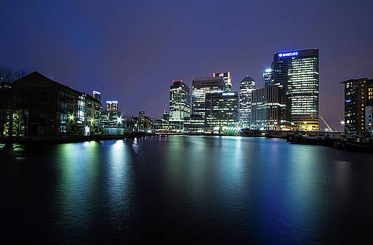 Night in London  by Mariusz Czajkowski