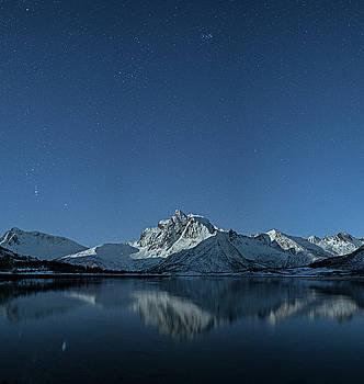 Night reflection by Frank Olsen