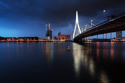 Night Rotterdam by Igor Ni