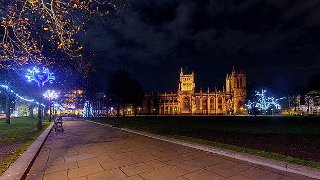 Jacek Wojnarowski - Night View Across Collage Green of Bristol Cathedral at Christmas