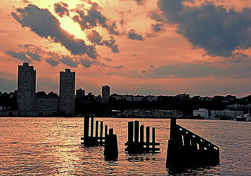 Nightfall on the Hudson  by Allan Einhorn