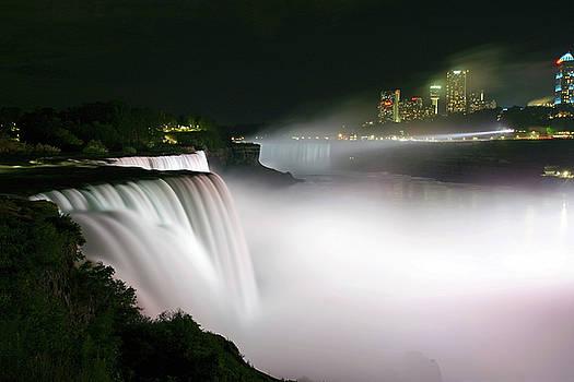 Nightime Mist of Niagara Falls by Gene Walls