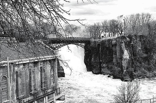Regina Geoghan - NJ Great Falls in Black and White